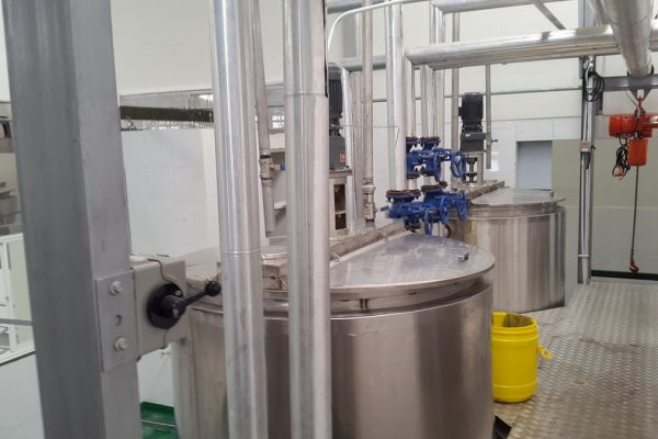 Double Jacket Tank in Beverage Processing Plant(2)